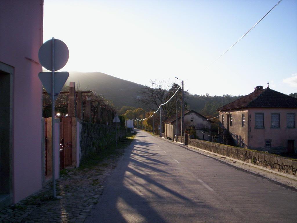 """ProjectoNº 2006100020012""""Iluminação da área de lazer de Covas (Junto ao Rio Coura)"""""""