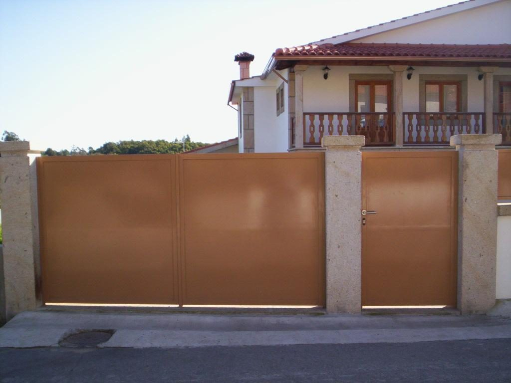 """Projecto Nº 2006100021044 """"Recuperação de fachada, caixilharia, cobertura e muros"""""""