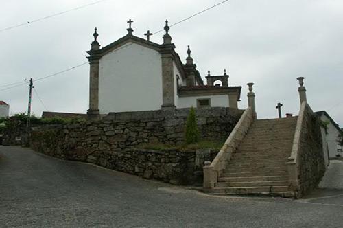 """Projecto Nº 2004100028994 """"Recuperação de muro e adro da Igreja de Remoães"""""""
