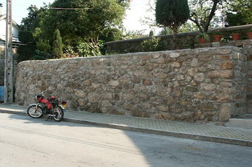 """Projecto Nº 2004100029166 """"Recuperação de caixilharia, cobertura e muro"""""""