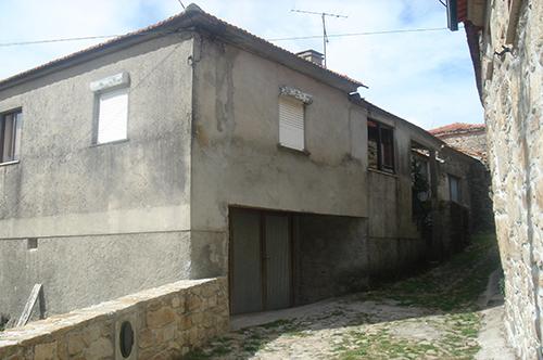 """Projecto Nº 2006100020640 """"Recuperação de fachadas, cobertura, caixilharia, varandas e muro"""""""
